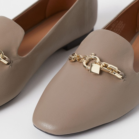H&M taupe flats
